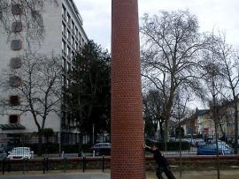 Frankfurt Städelmuseum Schornstein-Kunstwerk nachher